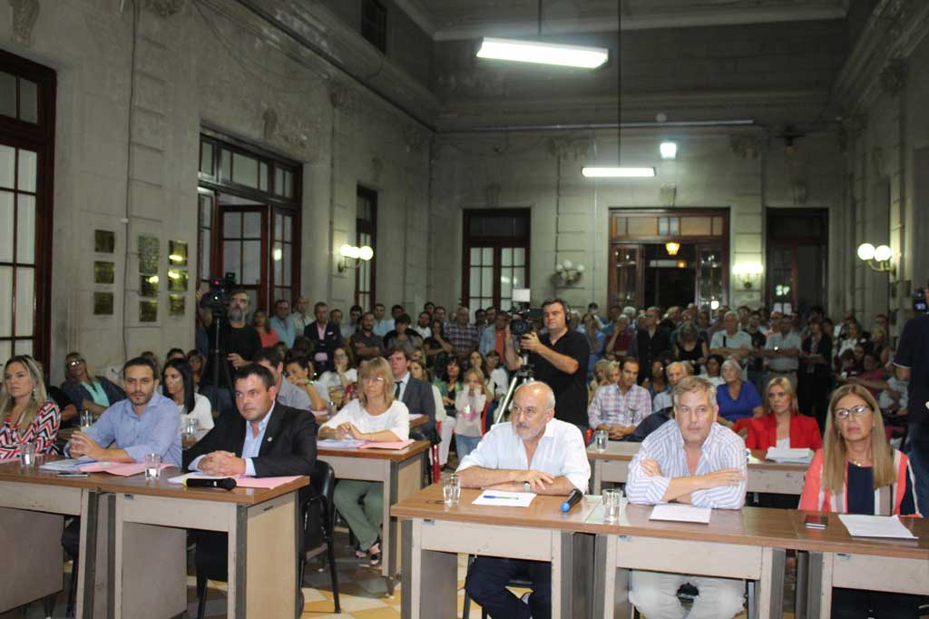 Apertura de sesiones ordinarias 2018: Discurso del Intendente ...