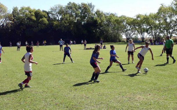 Se realizó el encuentro de futbol femenino