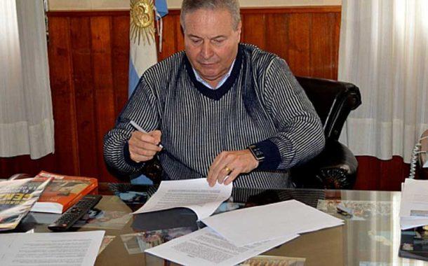 Alessandro celebró el acuerdo salarial logrado con los sindicales del municipio