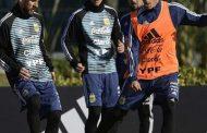 Martegani junto a Messi