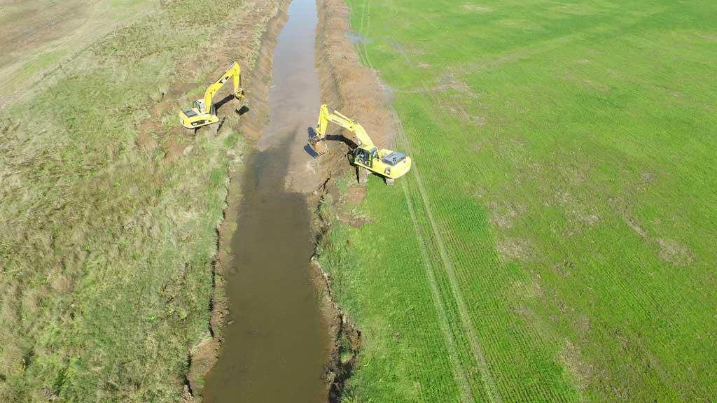 Continuan los trabajos en la obra de drenaje del Arroyo Dulce