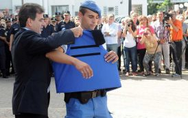 Regulan la venta de uniformes policiales para evitar que los usen ladrones