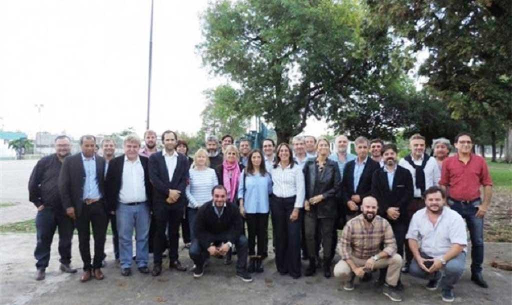 """34 municipios bonaerenses se unen en """"defensa de la producción"""""""