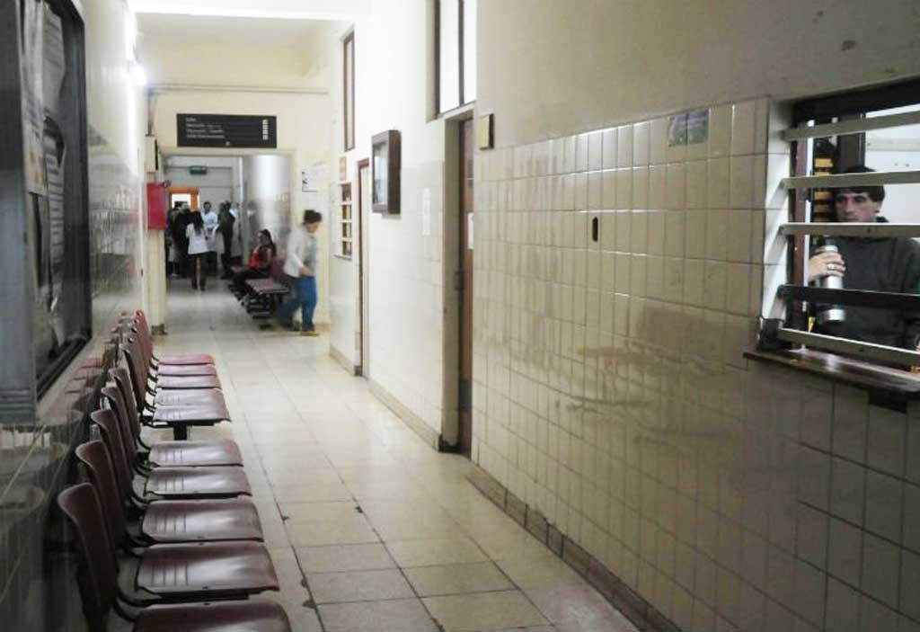 """Paro en los 80 hospitales bonaerenses en reclamo de un """"salario digno"""""""