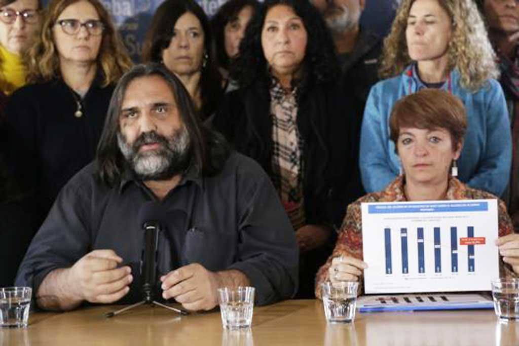 Docentes denuncian al Gobierno por persecución contra directivos por los paros