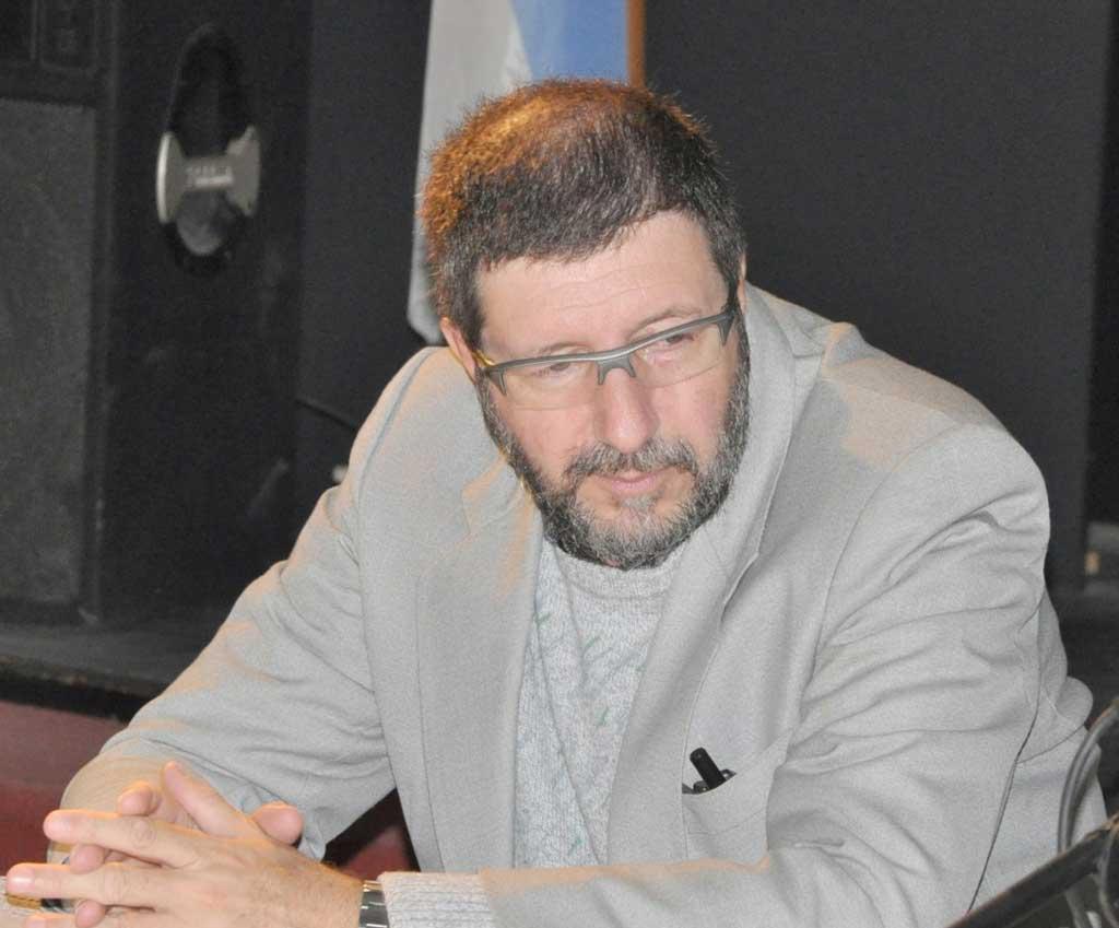 Juan José Oppizzi presentará su novela