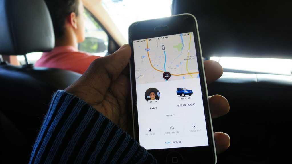 """Por regularizar Uber auguran que """"van a pasar cosas muy graves"""" y responsabilizan al diputado Castello"""