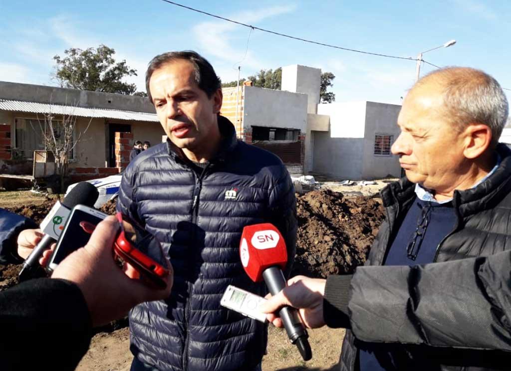 """Red de agua potable en """"Villa Corina"""":"""