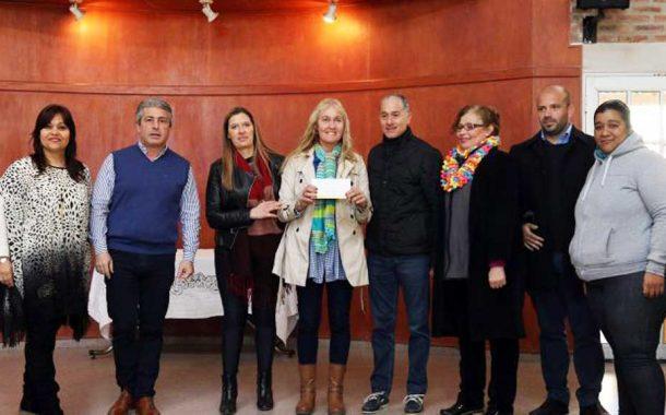 Pergamino: Martínez entregó el Fondo Educativo a 19 escuelas