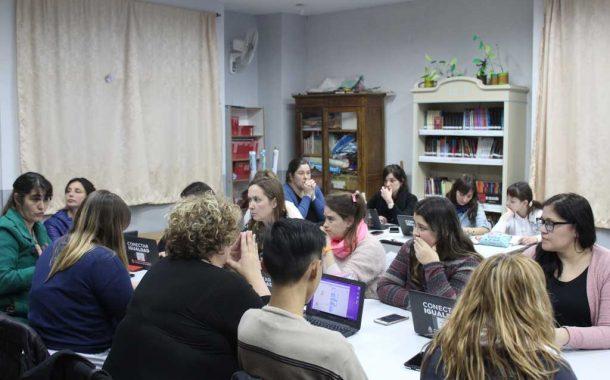 Capacitan a docentes para llevar a cabo el programa UTJuega