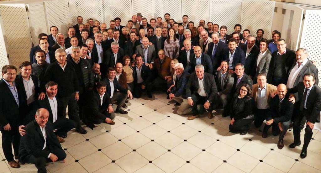 Rossi formó parte de una reunión de Intendentes de Cambiemos con Macri y Vidal