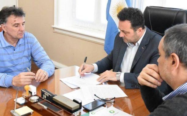 Chacabuco firmó un acuerdo para reciclar bidones de agroquímicos