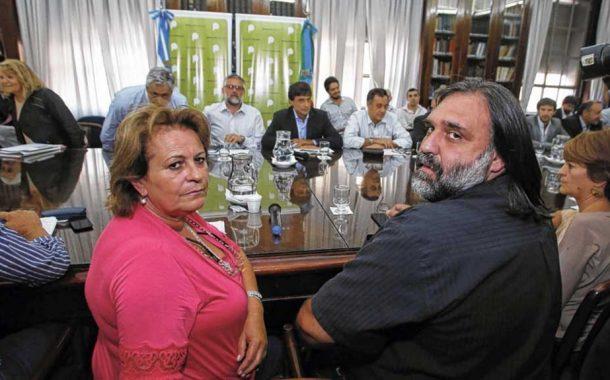 Gremios docentes responderían el martes a la propuesta de Vidal