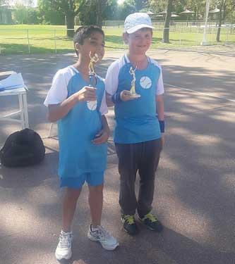Tenis: rojenses compitieron en Pergamino