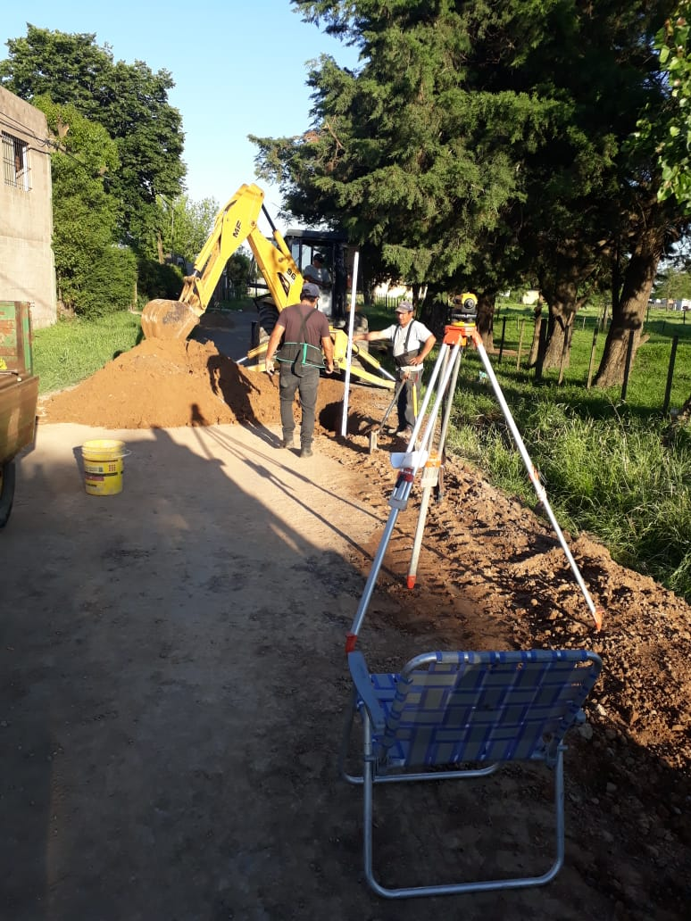 Avanza la obra de extensión de red cloacal en barrio Belgrano