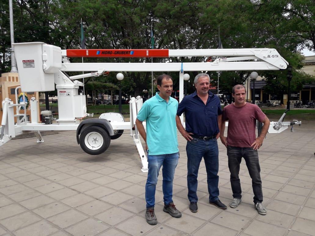 Presentaron hidroelevadora adquirida por el municipio