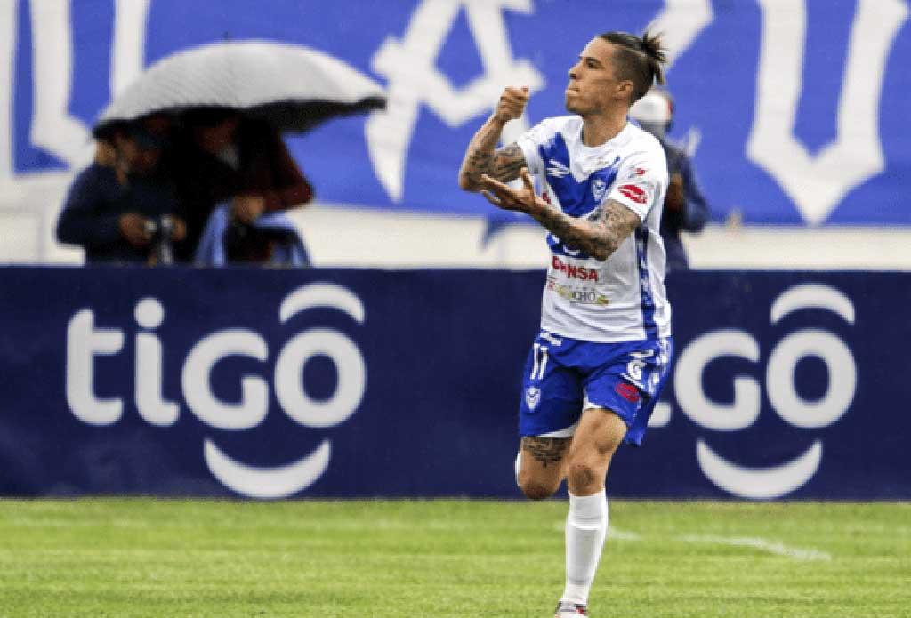 Javier Sanguinetti marcó el gol 30.000 de la División Profesional del fútbol boliviano