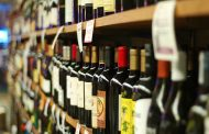 Extienden hasta las 23 la venta de bebidas alcohólicas durante el verano