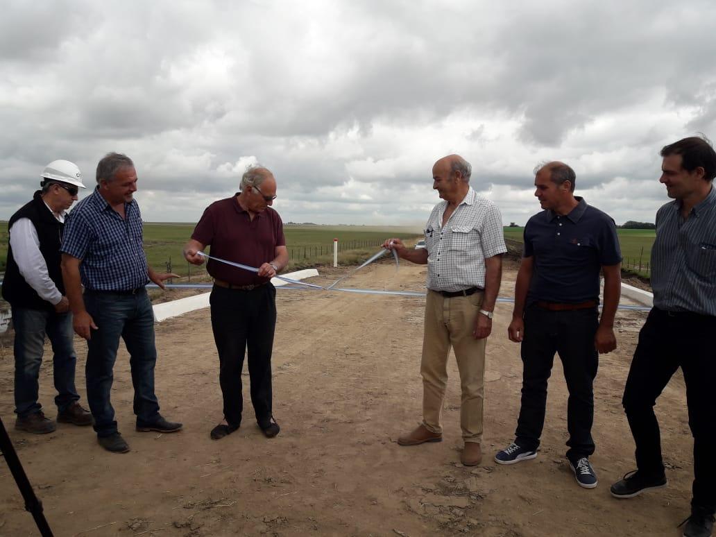 Inauguraron el puente sobre el camino rural 75 en la zona de Hunter