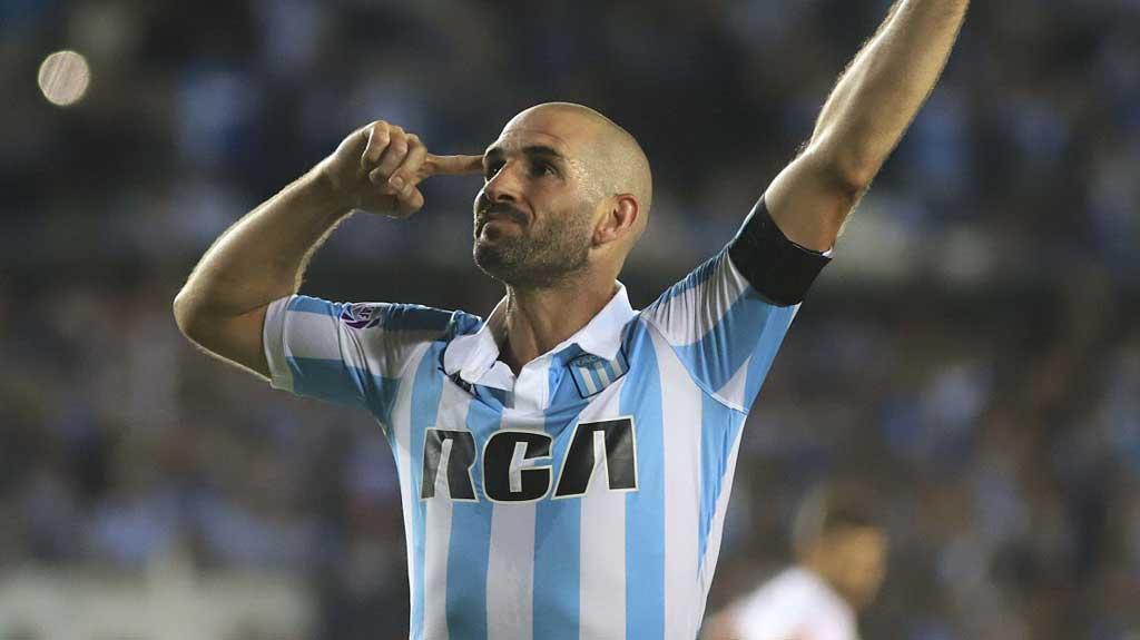 Lisandro López se entrenó con normalidad y regresaría ante Tigre