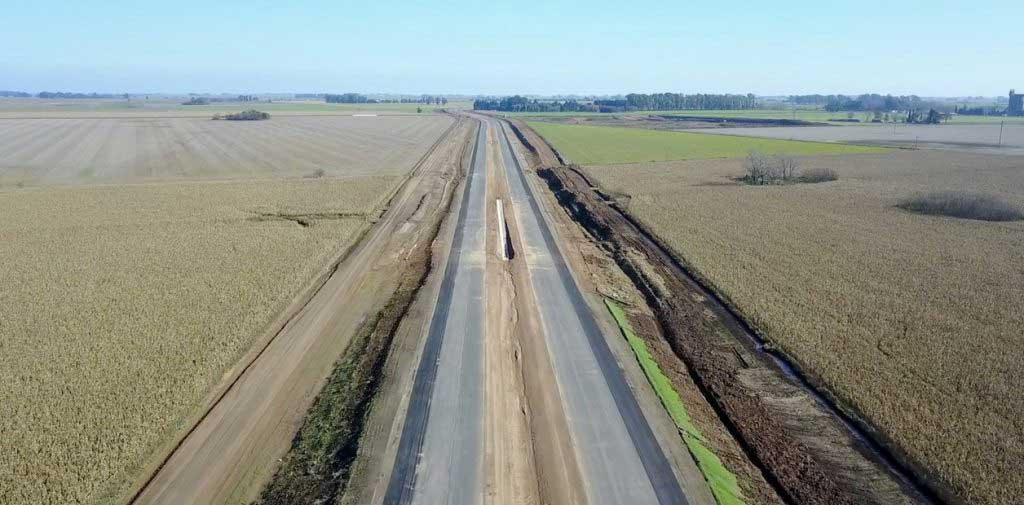 El Presidente recorrió un tramo nuevo de la autopista que une Pilar con Pergamino