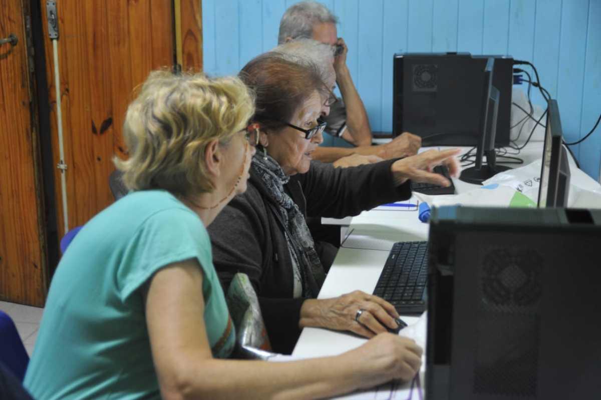 Provincia: anuncian inicio de capacitaciones en nuevas tecnologías para adultos mayores