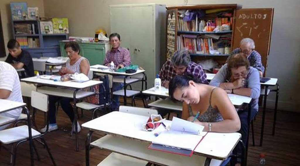 Buscan ampliar a un millón la matrícula educativa para adultos