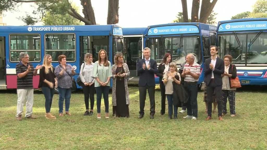 Macri y Vidal inauguraron el transporte público en la localidad de Junín