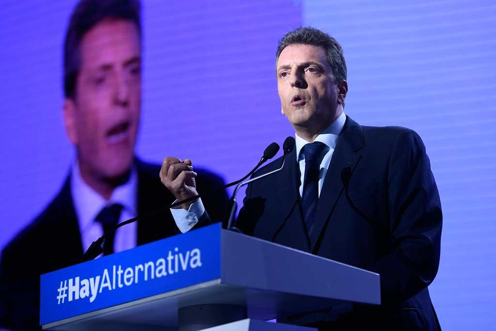 Massa le pidió a Macri que convoque a la oposición por la crisis económica