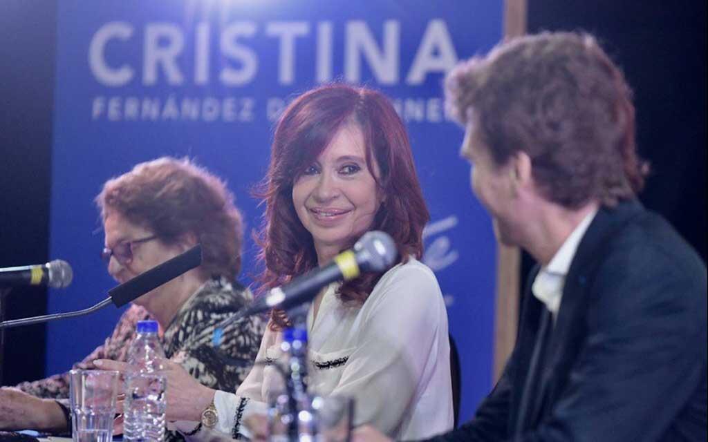 """CFK: """"Es necesario un contrato social de la ciudadanía"""""""