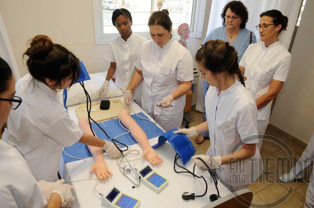 Se entregarán mochilas técnicas a estudiantes de Enfermería de la UNNOBA