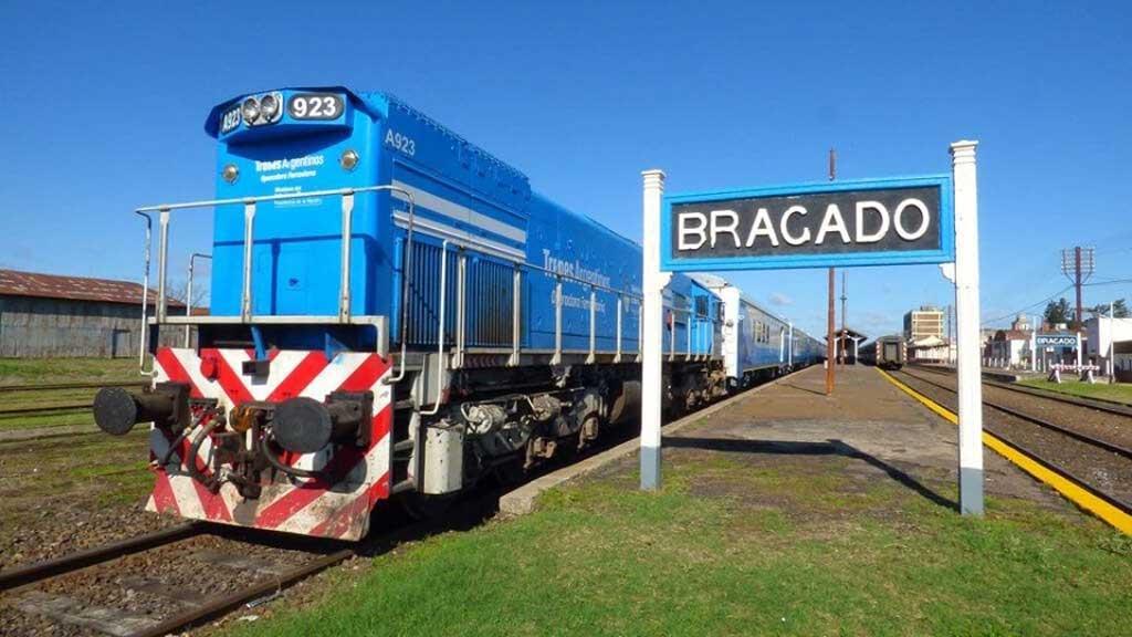 Gatica anunció la vuelta del tren de pasajeros a la estación de Bragado