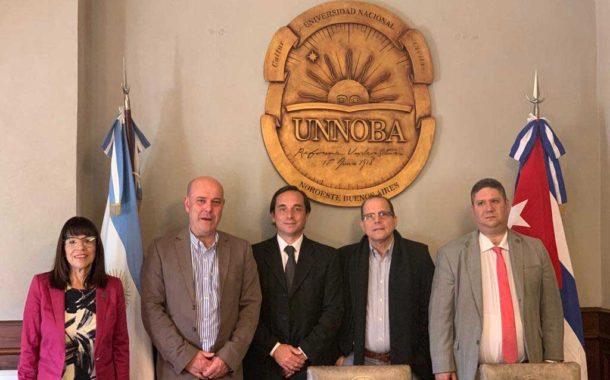 Visita del embajador cubano a la UNNOBA