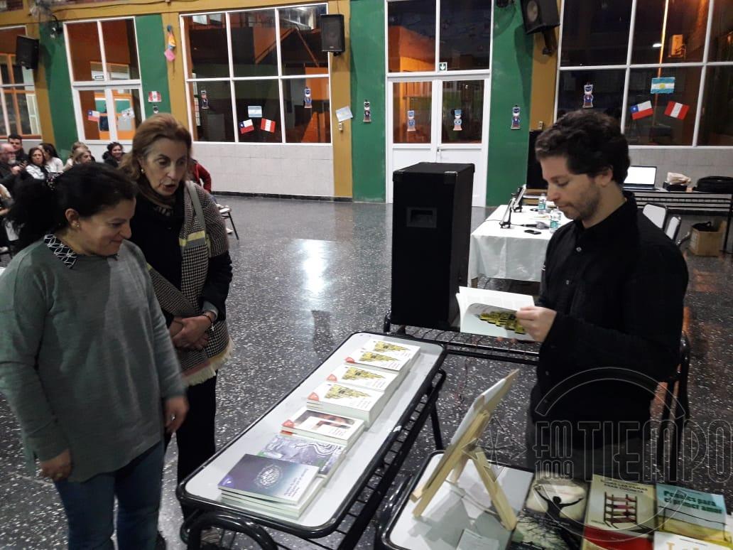 Diego Singer presentó su libro en Rojas