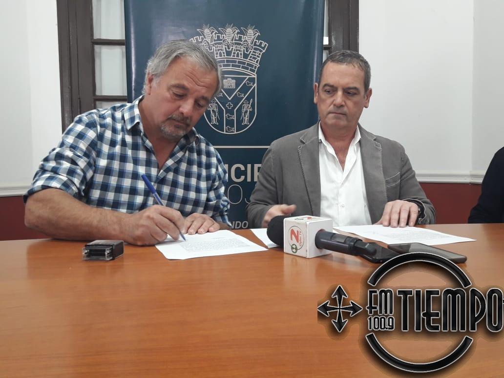 Se realizó la firma de contrato para repavimentar más calles del barrio Centro