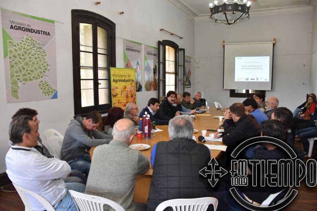 Sarquís encabezó reunión de la Mesa Provincial de Desarrollo Apícola