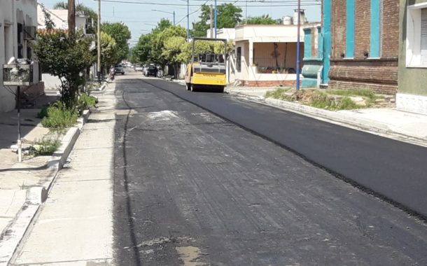 Comenzó una nueva etapa de asfaltado de calles en la ciudad