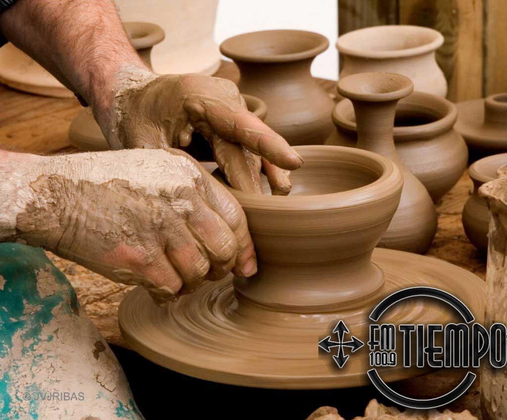 """Se inaugura muestra de cerámica del taller """"El Triángulo"""""""