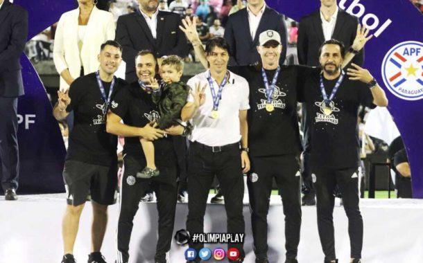 Olimpia de Paraguay festejó el tetra campeonato con Facundo Espina en el cuerpo técnico
