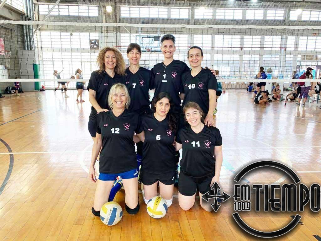 Voley: El equipo del CEF participó del XI Master voley Internacional Mar del Plata
