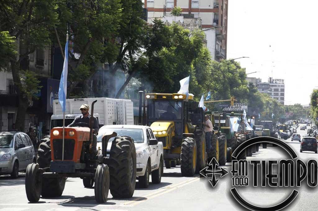 Pergamino: los productores se movilizaron con otro fuerte tractorazo y pidieron un paro