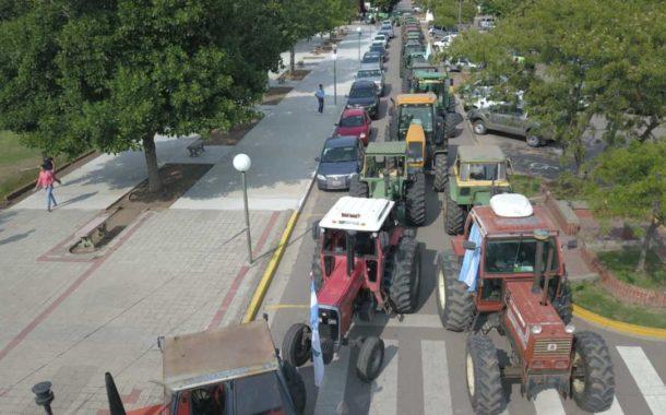 Tractorazo y asamblea en Salliquelo