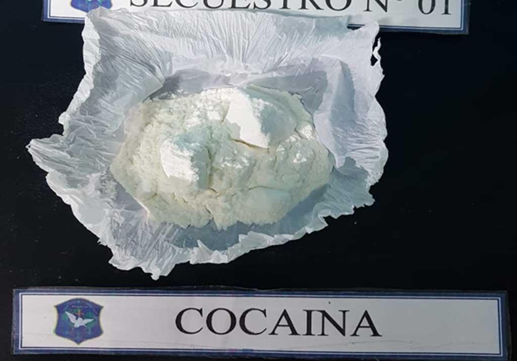 Detienen a persona con más de 100 gramos de clorhidrato de cocaína de máxima pureza