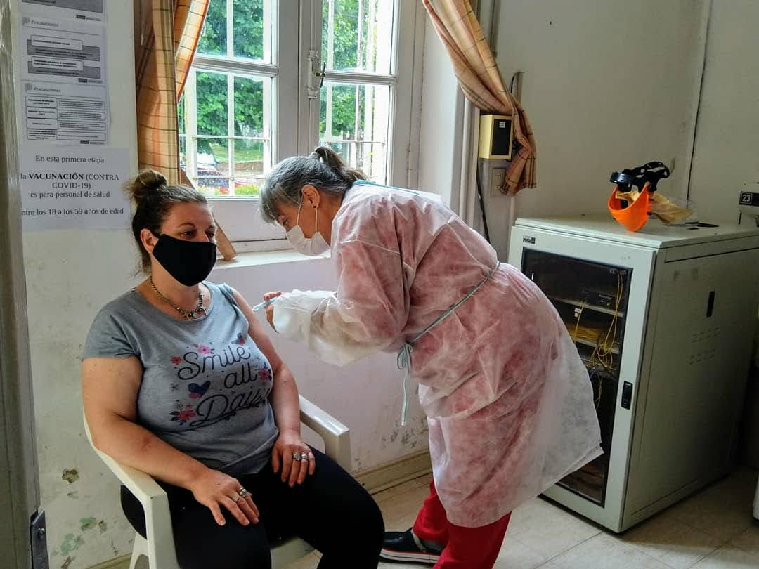 365 personas del ámbito de Salud se vacunaron contra el Covid 19