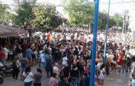 Cientos de vecinos y vecinas marcharon por el femicidio de Úrsula