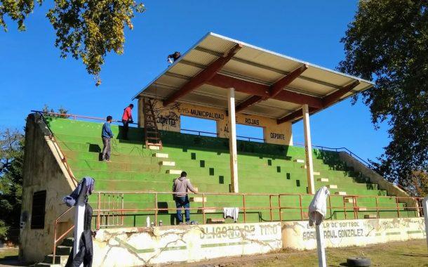 Reacondicionamiento de la tribuna del Parque Grl. Alvear