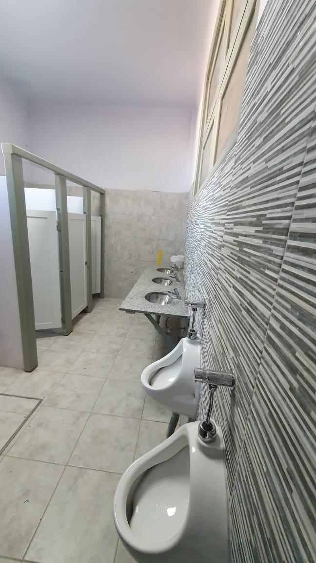 Remodelación de los baños de la Escuela 8