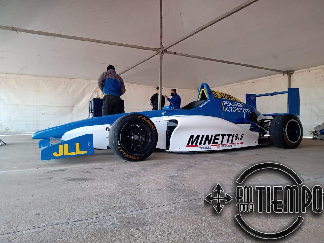 Franco Lucero se subió, por primera vez, al auto con el cual competirá en la Formula Renault 2.0