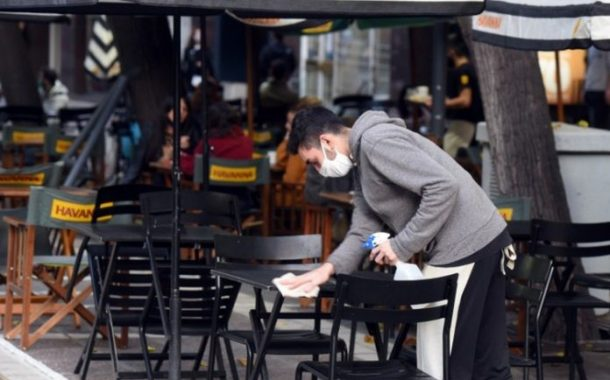 Analizan que solo los vacunados puedan ingresar a bares y restaurantes