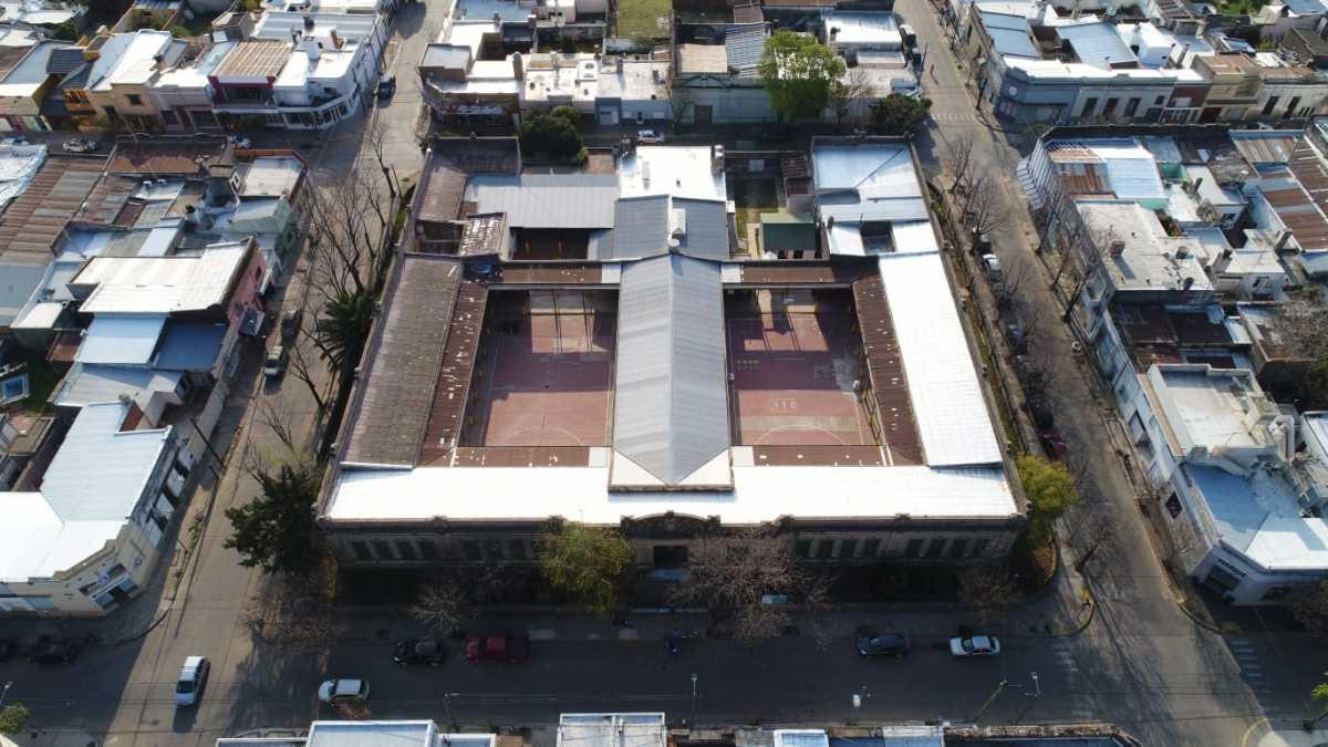 Recambio de techos en la Escuela Primaria 1